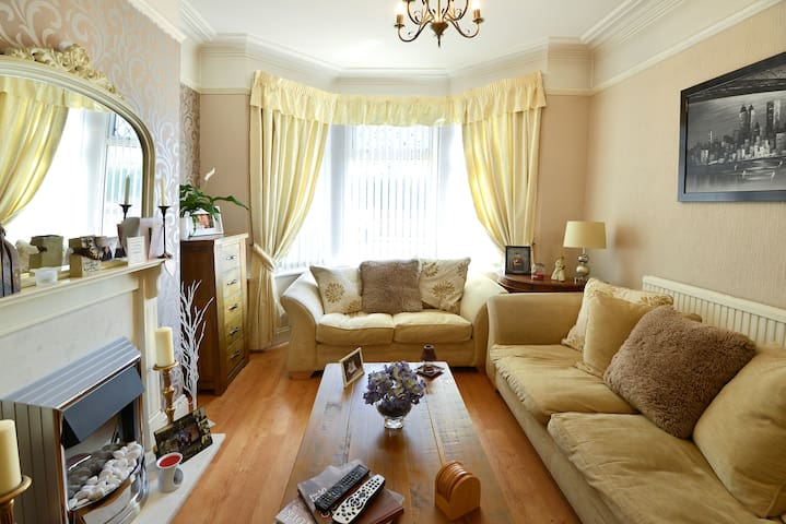 Lovely room in Victorian Terrace