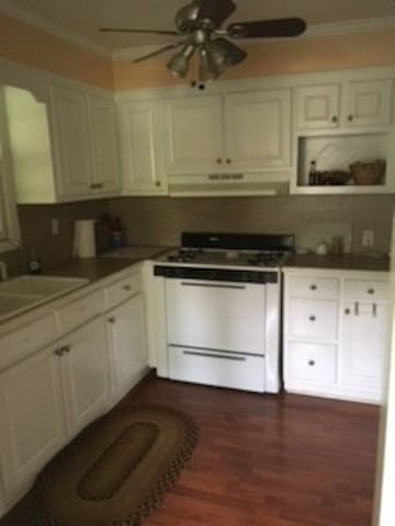 Spacious Kitchen with Gas Stove, Dishwasher and everything you need to cook