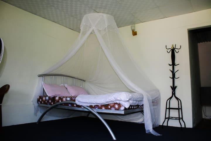 7'x5' bed