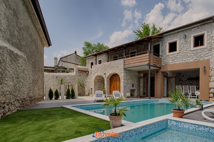 Stone villa with pool, childrens pool, big garden