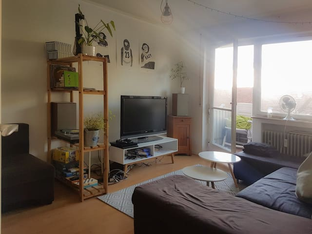 Mitten im Zentrum, 2 Zimmer Wohnung, 2 Balkone