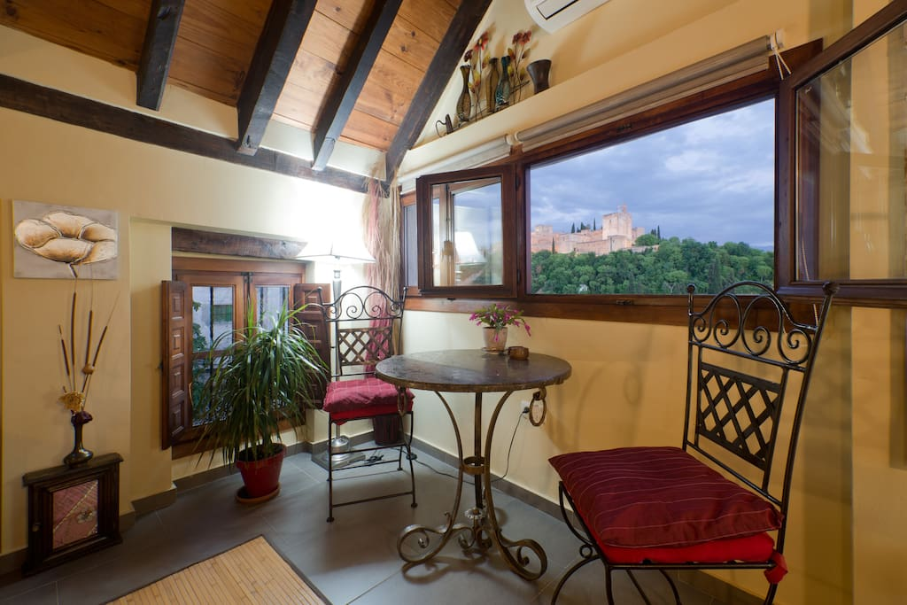 TORREÓN - TOP FLOOR LOUNGE - Preciosas vistas Alhambra, junto a dormitorios, terraza y baño 2 -Spectacular views Alhambra, adjoining to bedrooms, terrace and bathroom 1