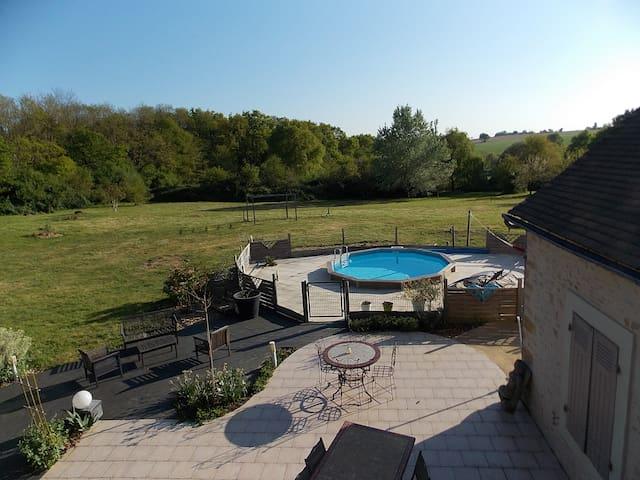 Maison 3 chambres et piscine (20mn Circuit 24h)