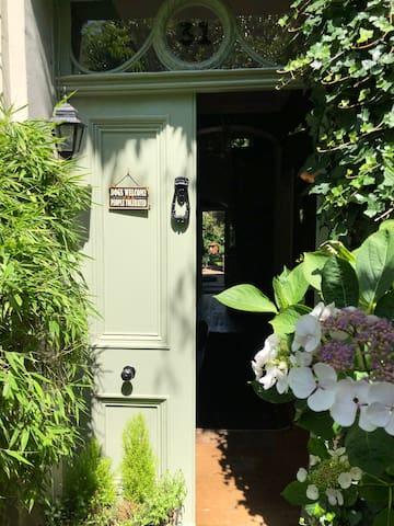 Front door with view into the garden.