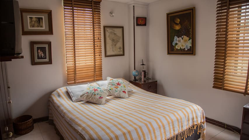 Private Room /Habitacion privada - cama doble