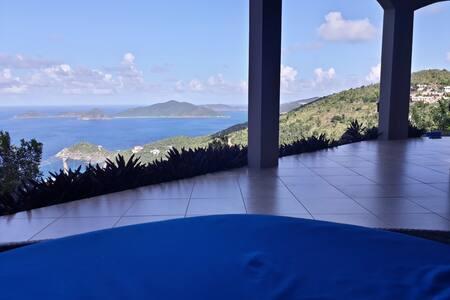 Aqua Vista Villa