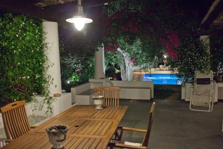 Villa Bouganvillea, villetta privata con piscina