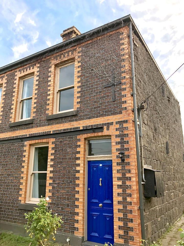 Stunning, historic bluestone cottage - inner west.
