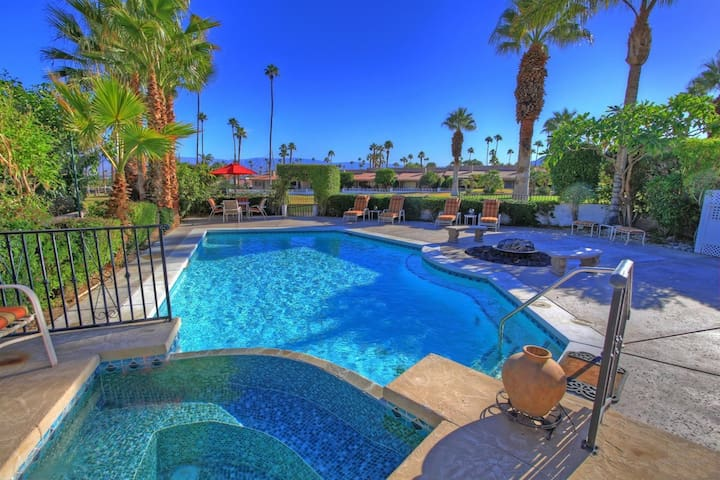Desert Oasis in the heart of Palm Desert