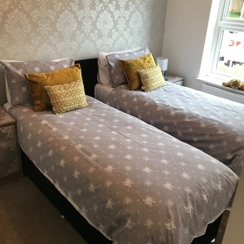 Twin beds converted on request from king size