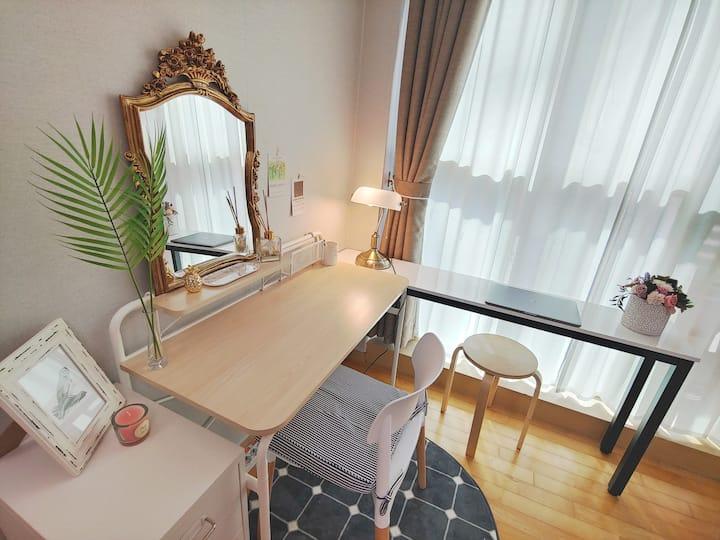 (G&R) Gangnam Seolleung stn. 3mins sweet cozy room