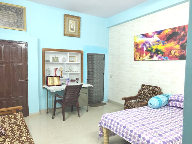 Iftekhar AC Master Bedroom - Ground Floor