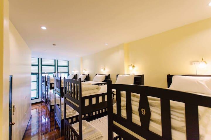 โรงแรมศรีสมบูรณ์/srisomboon hostel - Trang - Retkeilymaja