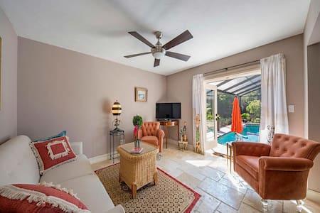 Tropical Oasis Poolside Suite