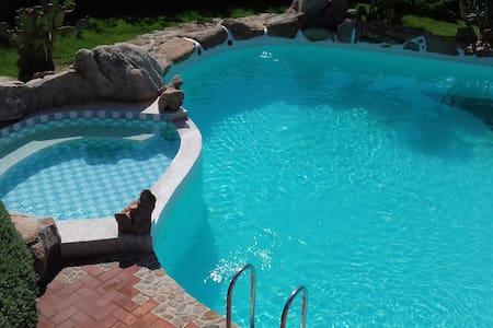 2 piscine private - Arzachena