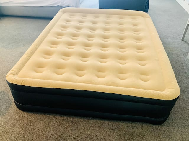 Comfortable Queen Size Air bed with inbuilt pump. Easy to use. Plug into a socket to Inflate and Deflate after use at your convenience.