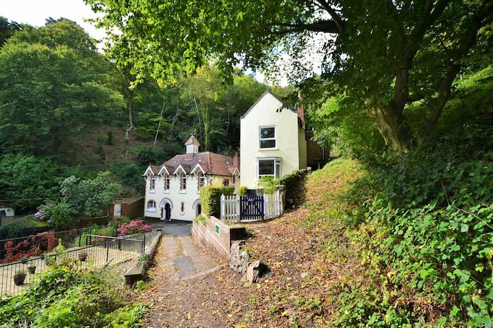 Rural Holiday Cottage in the Scenic Malvern Hills.