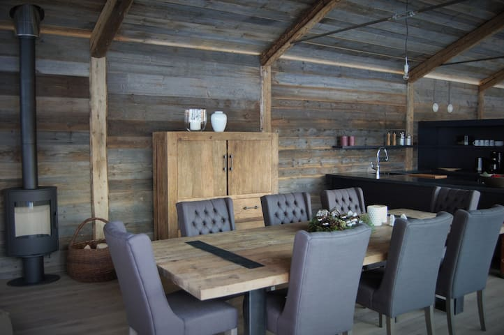 Cosy chalet Morzine self-catered - Essert-Romand - House