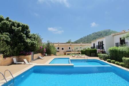 Schönes Reihenhaus mit Gemeinschaftspool (7051) - Cala Lliteres - Casa adossada