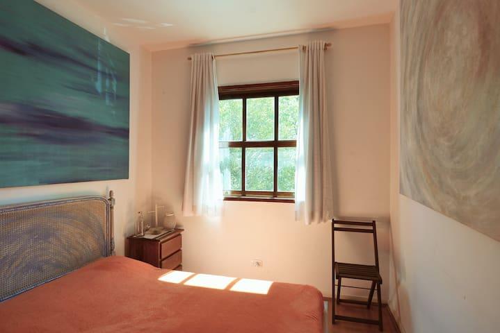 Quarto -room next to Pq. Ibirapuera