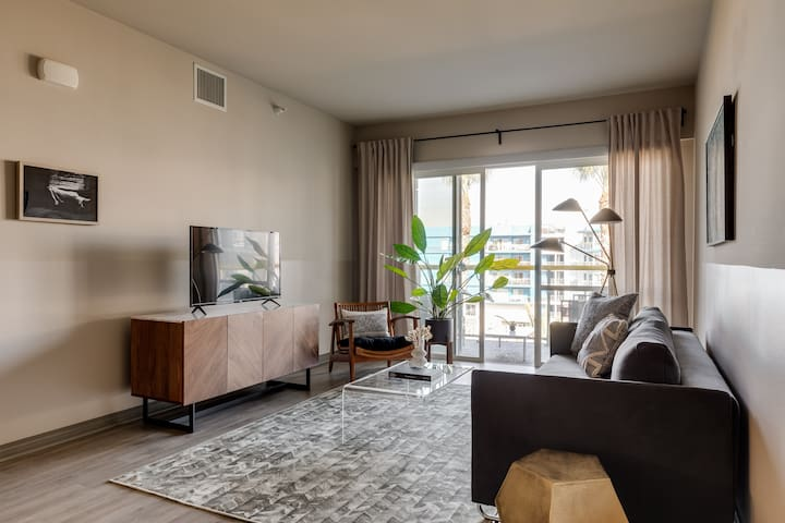 Abode | Marina del Rey | 2-Bedroom +Pool/Gym/Spa