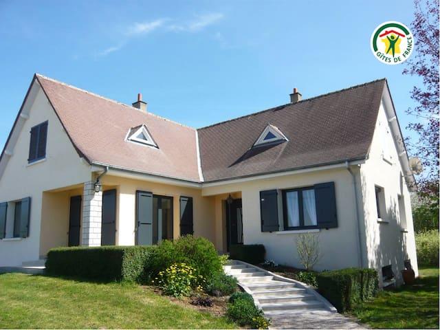 Grande et belle maison pour 8 pers. près d'Orléans