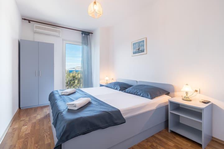Pansion Lovac /Blue room