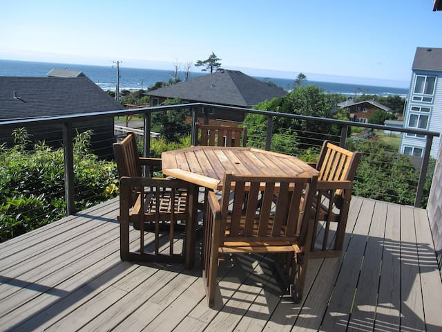 Sea Wonder ~ Hot Tub~ Cape Meares~ Tillamook