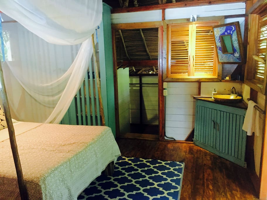 Pelicano has one queen bed and is our most popular cabin for couples