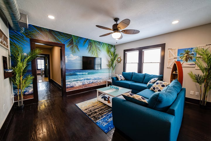 Tropical Beach Condo, Deep Cleaned After Each Stay