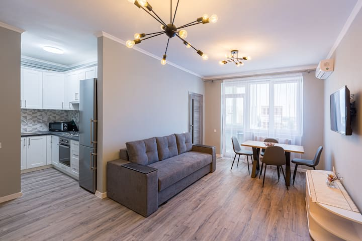 Modern new apartment 17 min away from downtown