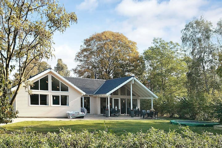 5 star holiday home in Dronningmølle