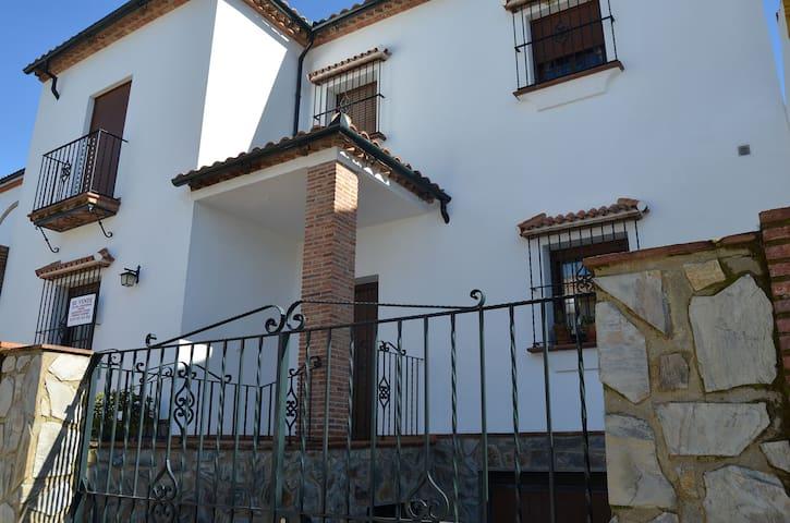 Casa Miguel - El Bosque - Hus