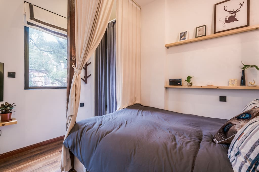 宜家床垫和床品很舒适
