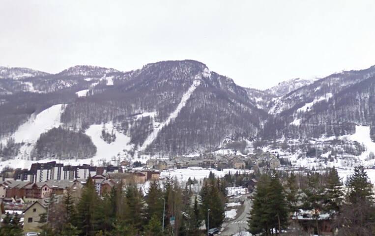 ski in/ski out studio in serre che - La Salle-les-Alpes - Apartment
