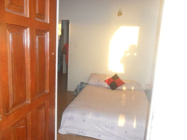 1 Room @tranquil2175 house...Upper Canefield - Canefield