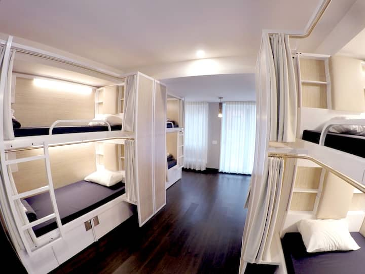 M-Montreal: 1 bed in a 10 Bed FEMALE ONLY Dorm