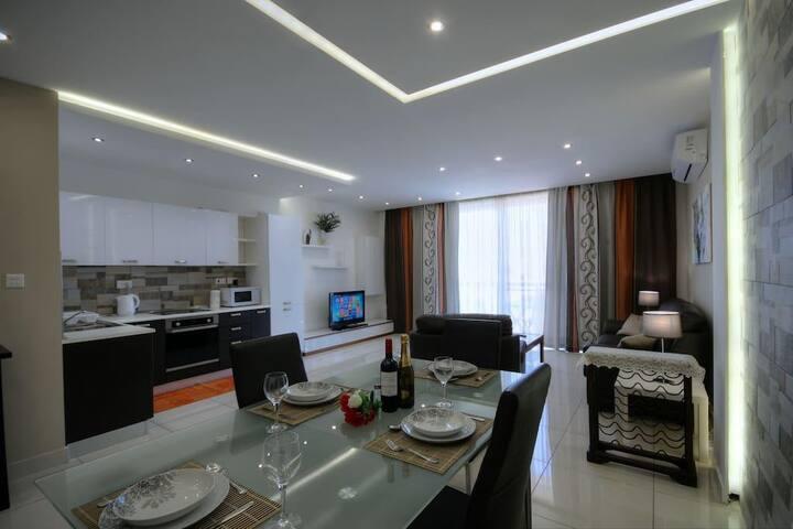 Apartment with Sea Views, Marsascala, Marsaskala