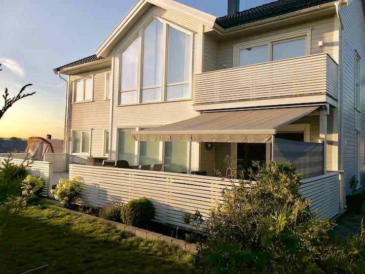 Stort moderne hus med 4 soverom på solfylte Hvaler