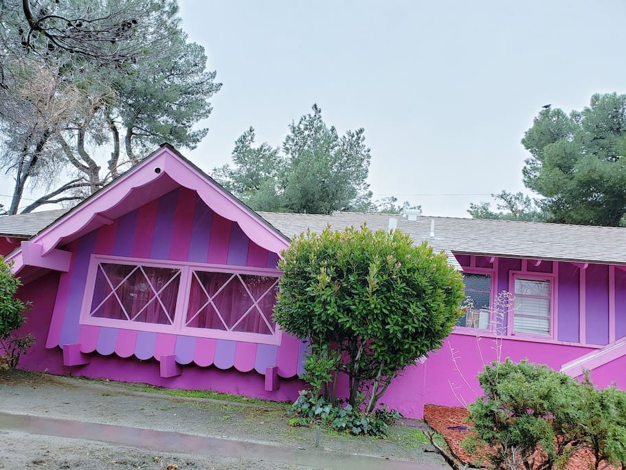 The Pink Dollhouse 3 Bedrooms 1 Bathroom House In