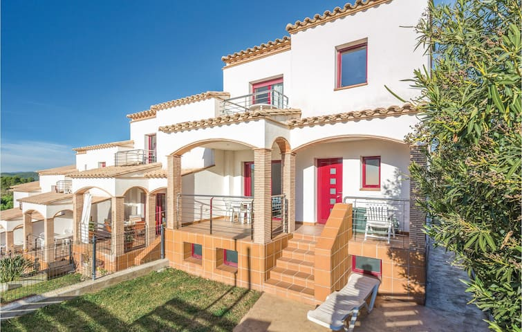 Terraced house with 4 bedrooms on 110m² in L'Escala