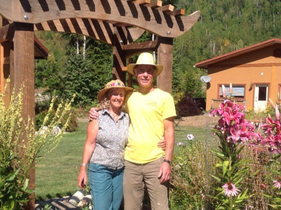 Nonie and Dale are looking forward to welcoming you!!