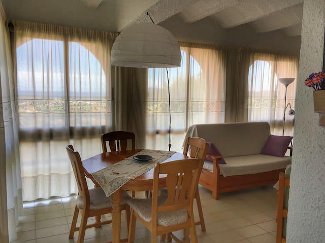 Ca la mireia is a lovely flat in upper Calonge