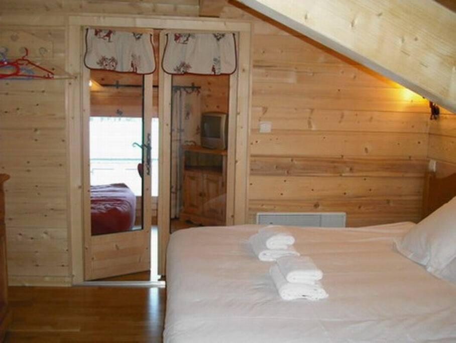 Main bedroom, behind door the ensuite small bedroom