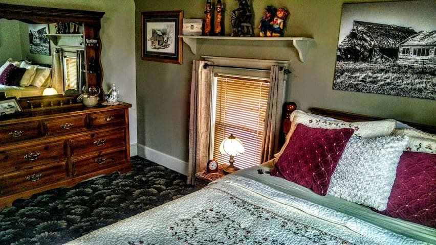 The Cornett Room is the largest of the three bedrooms.