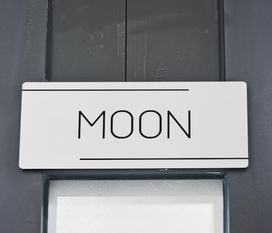 Tên phòng mình đây