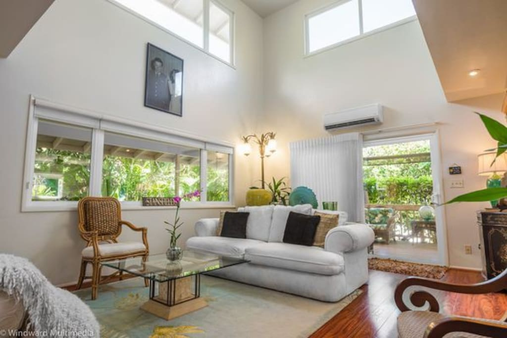 Let your spirit soar in this comfortable open living area. High ceilings, Fujitsu split air conditioner system.