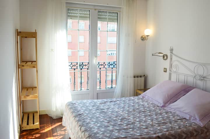 City centre apartament, private Parking and wifi