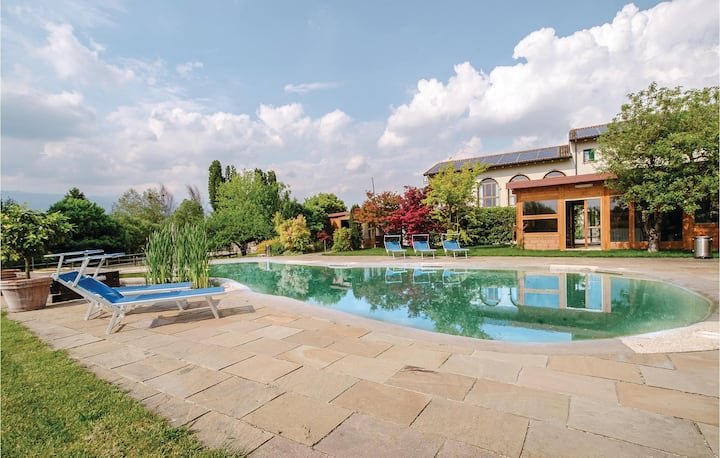 Beautiful home in Sacile -PD- with WiFi and 1 Bedrooms