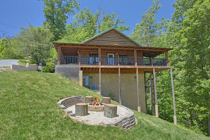 Enchanted View Cabin Escape the Craziness & Relax